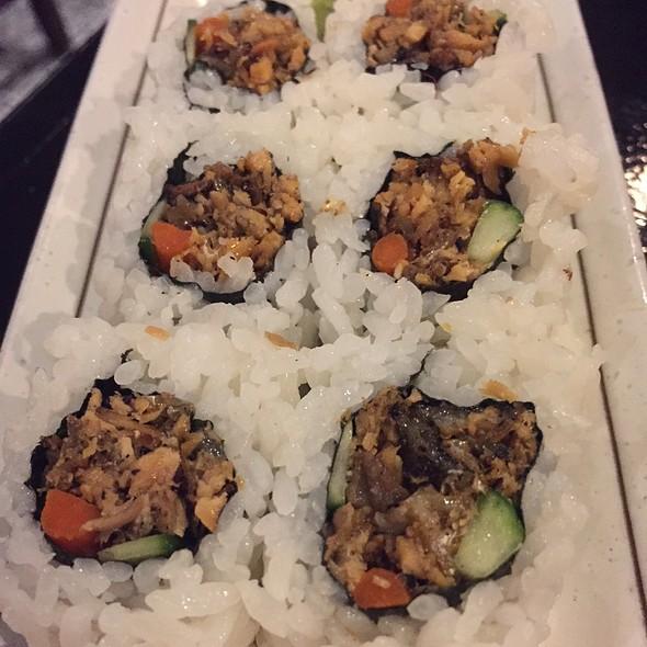 Salmon Skin Roll