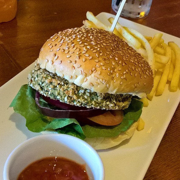 Chickpea and Spinach Burger