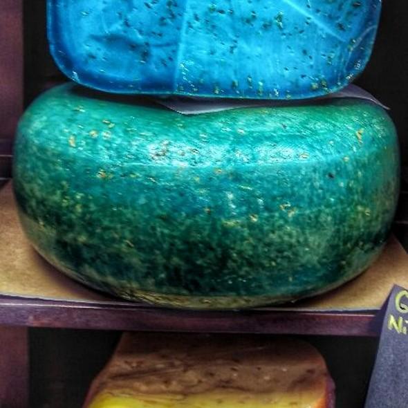 Lavender Swiss Cheese @ Królestwo Serów