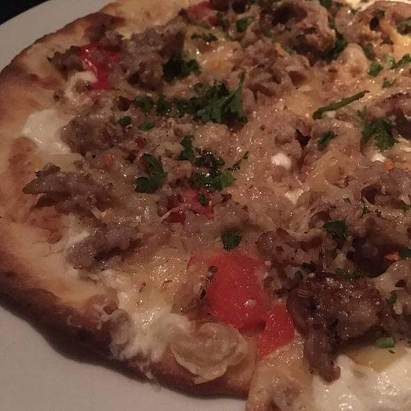 Italian Sausage Flatbread With Onions
