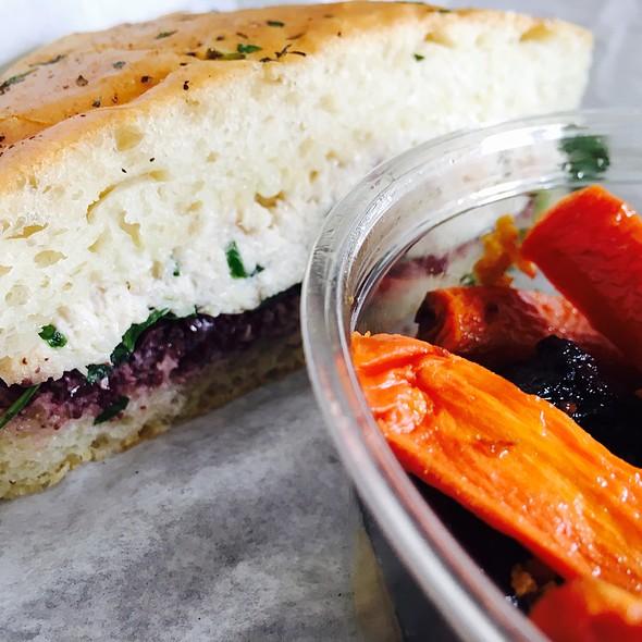 Albacore Sandwich