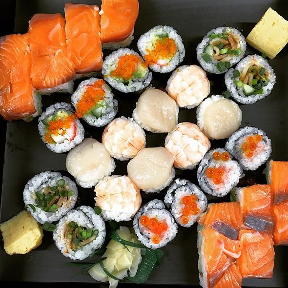 Sushi- Assorted @ Finolab