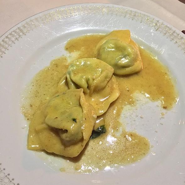 Spinach Ricotta Tortelloni & Sage Butter