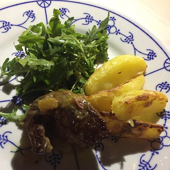 Beef, Potatoes & Rocket