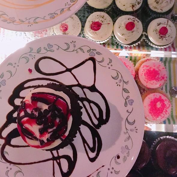 Assorted cupcakes @ Babycakes