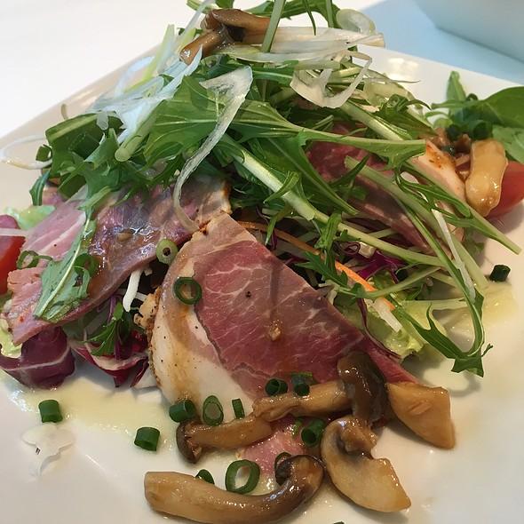 Salad @ Maison Kayser Café