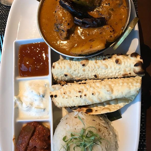 Chicken Achari Masala
