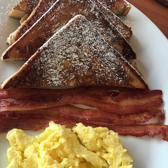 French Toast Bacon Eggs