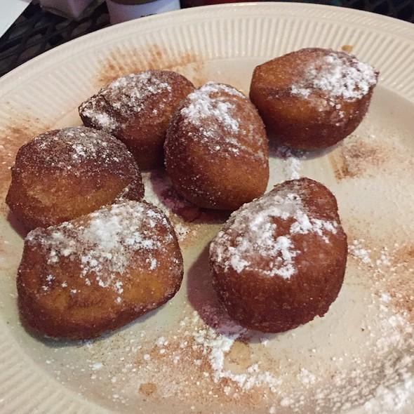 Cinnamon Puffs