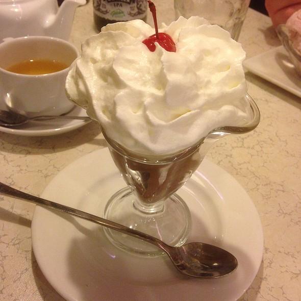Chocolate Icecream @ Starlite Diner