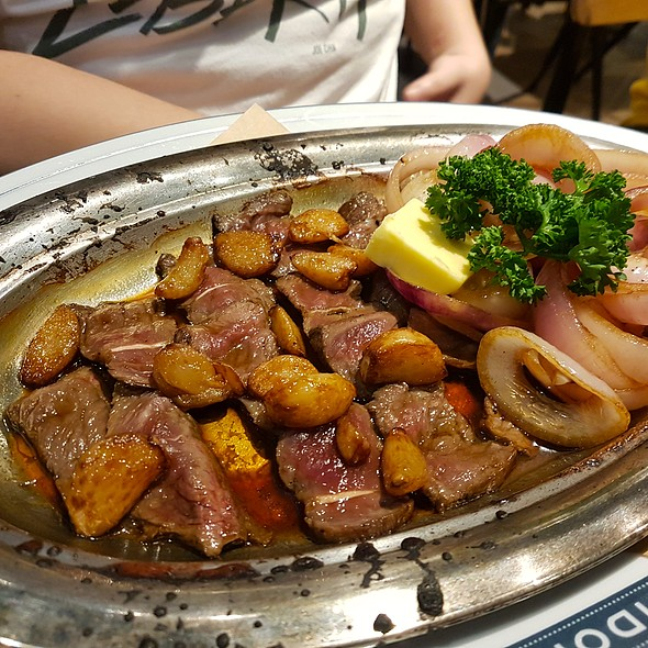 "Steel-Plate Cooked Garlic Butter ""Salpicao"" Steak @ Providore"