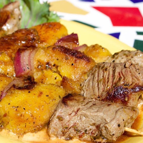 Bahamian Steak Skewers @ Cha Cha Coconuts
