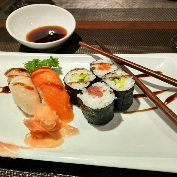 Maki Sushi Y Nikiri