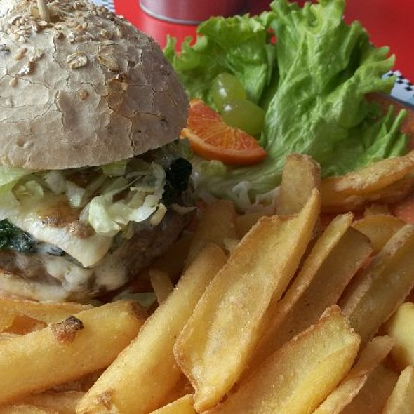 Nicky's Beef Burger @ 1950 American Diner