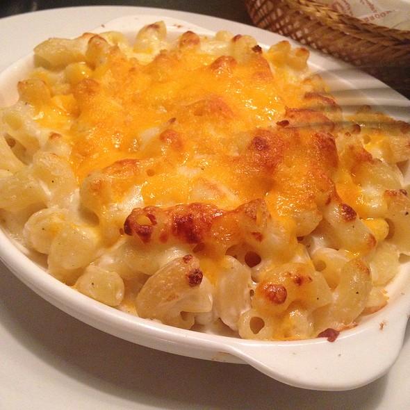 Mac and Cheese @ Borough NY Comfort Food