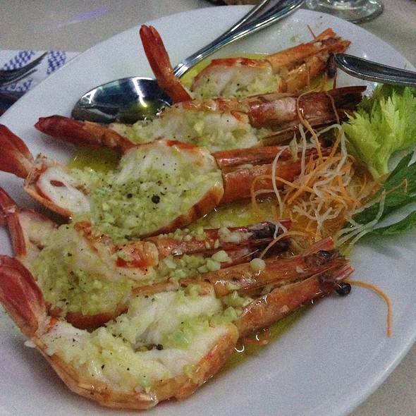 Garlic Butter Prawns @ Harbor View Restaurant
