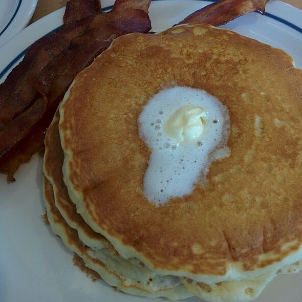 pancakes and bacon @ IHOP