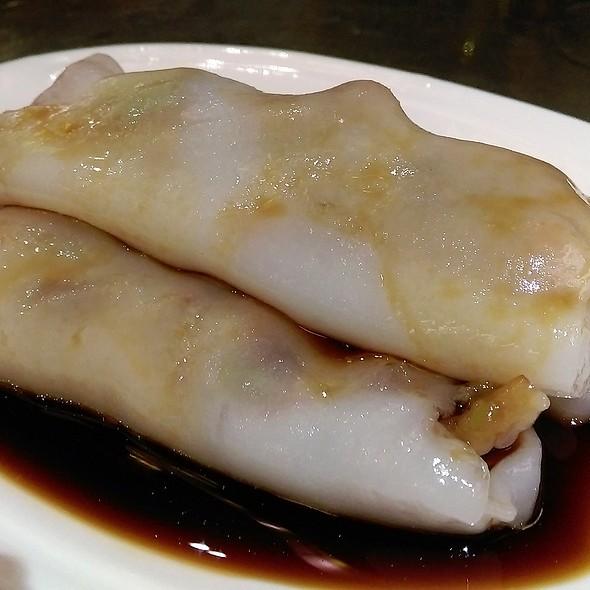 义燒腸粉 BBQ Pork Rice Noodle Rolls @ 金功夫點心火鍋