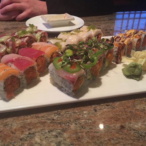 New Christmas Roll, Wasabi Roll, Sakura King Roll, Sono Roll And Spicy Girl Roll