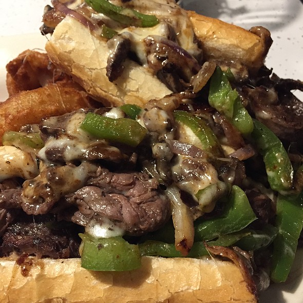 Philly Cheesesteak @ Edison Park Inn