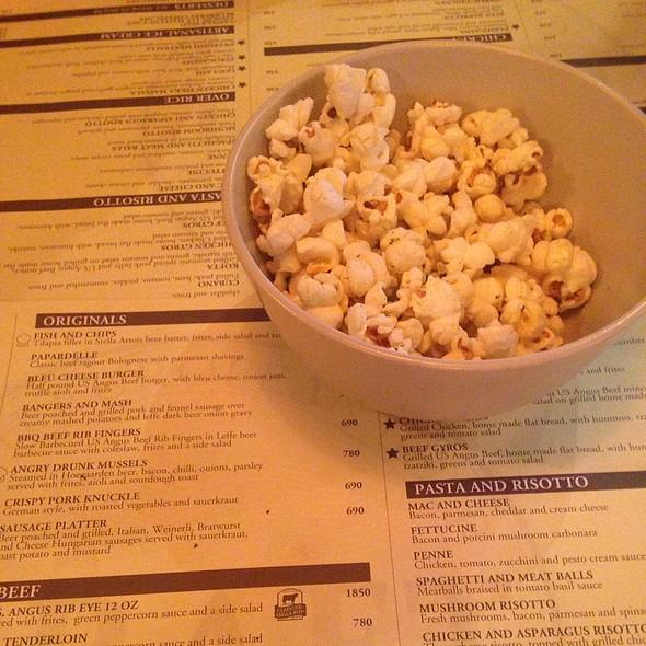 Complementary Popcorn @ Draft Gastropub