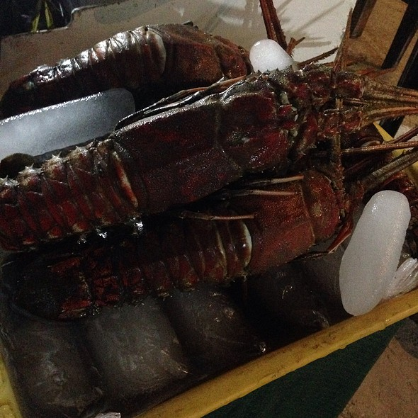 Lobster @ Alona Beach Grilled / Bbq'd Food