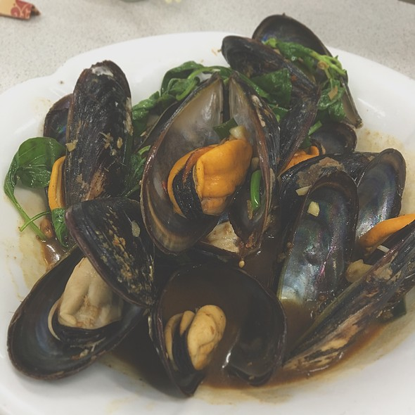 Spicy Mussels Soup