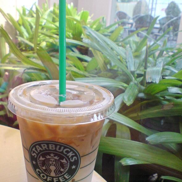 Iced Caramel Macchiato @ Starbucks