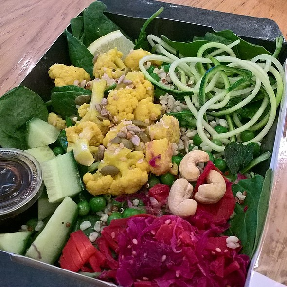 Cauli and Turmeric Super-Veg Salad @ Pret A Manger