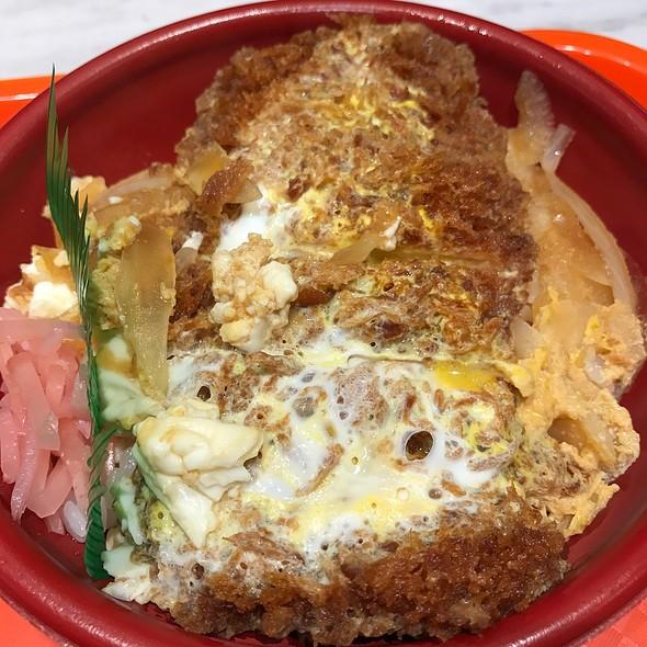 みそかつ   Deep Fried Pork Cutlet With Miso Sauce