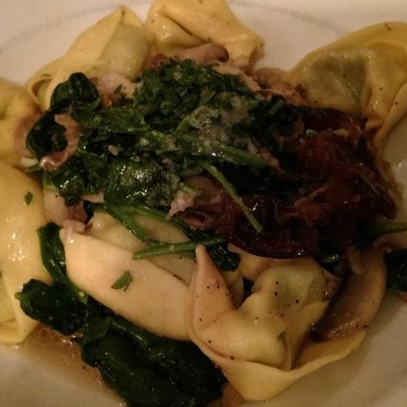 Garlic Spinach Tortellini