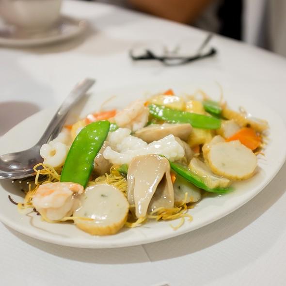 Seafood Crispy Noodle @ Dumplings' Legend