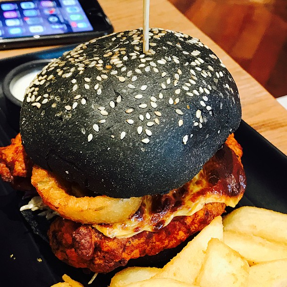 The Buffalo Chicken Burger @ The Sporting Globe Chermside