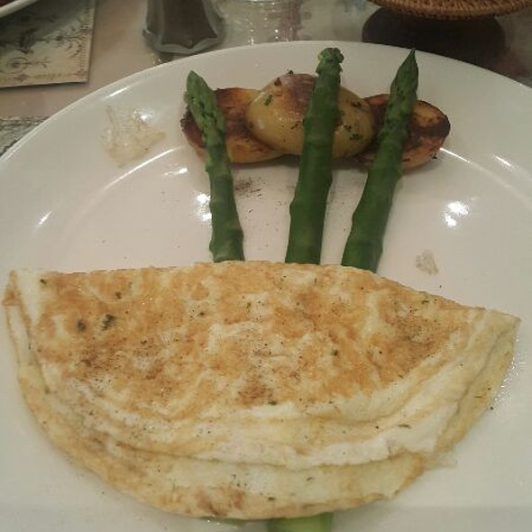 Omlette @ SHAKESPEARE AND CO. Cafe Restaurant, Patisserie, Chocolate and Catering