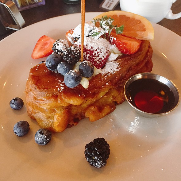 Mascarpone Stuffed Deep Fried French Toast @ Kitchen Story