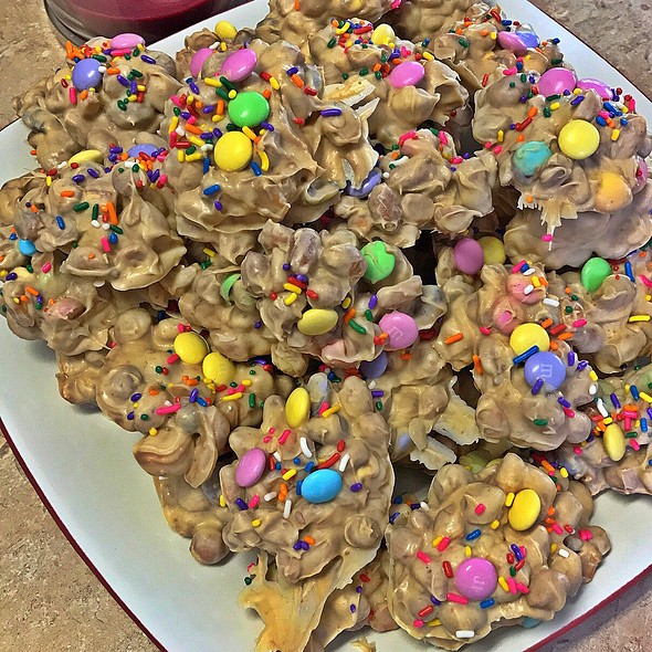 Easter Peanut Candy @ Casa Olive