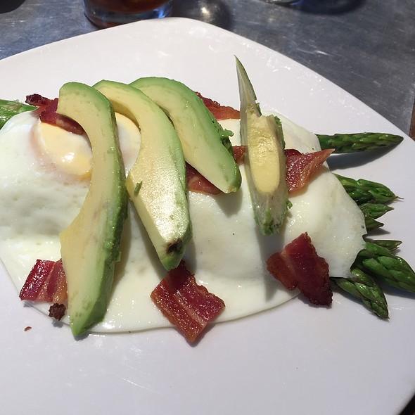 Fried Eggs Over Asparagus @ Taste Of Belgium