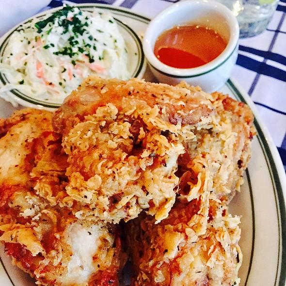 buttermilk fried chicken @ LuxBar