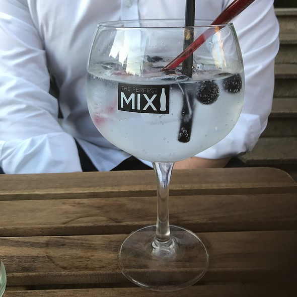 Gin Tonic @ Barville