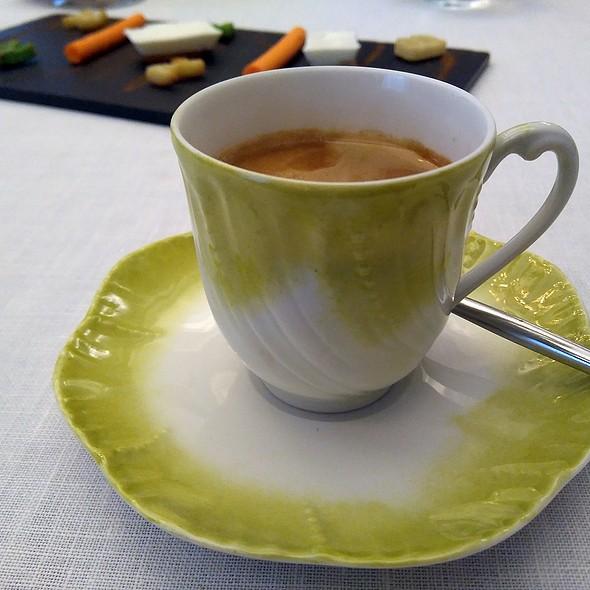 Coffee @ El Club Allard