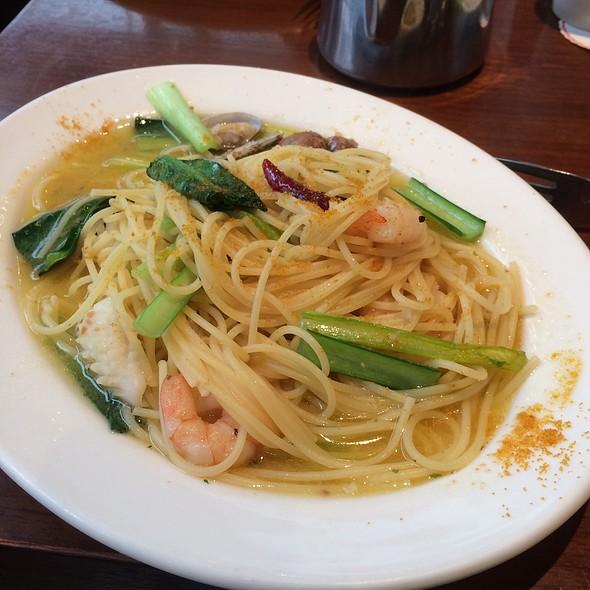Seafood & Roe Pasta @ LOTUS
