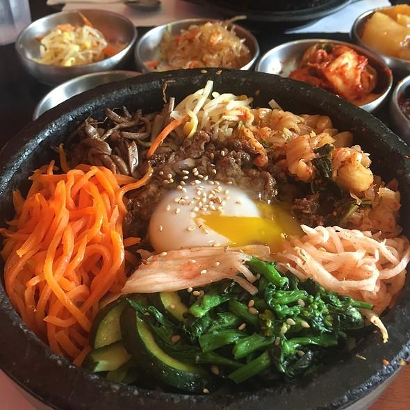 Beef And Kimchi Bibimbap @ So Gong Dong Tofu House