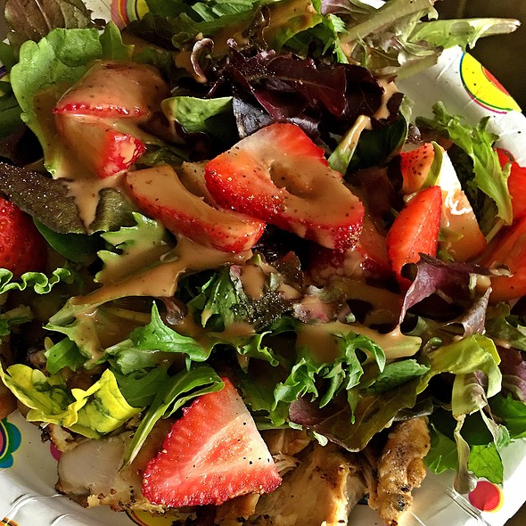 Grilled Chicken And Strawberry Salad @ Casa Olive