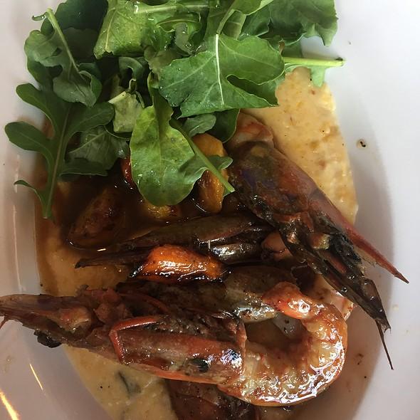 Shrimp & Grits @ Maribelle's Tavern