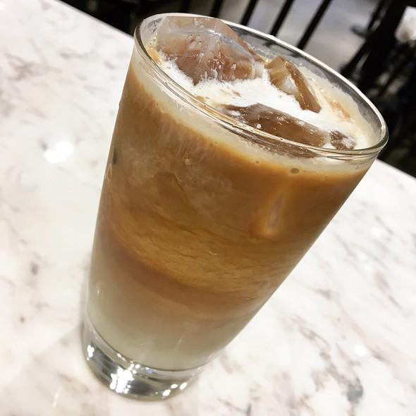 Cold Brew Honey Latte @ Paris Baguette