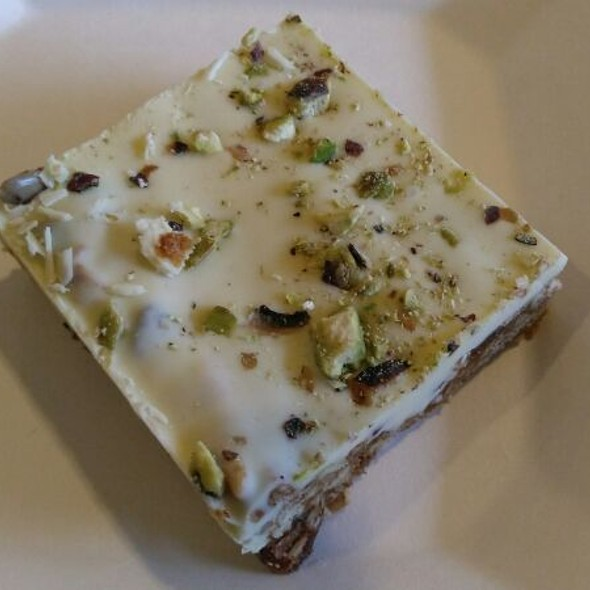Pistachio And Nuts Bar