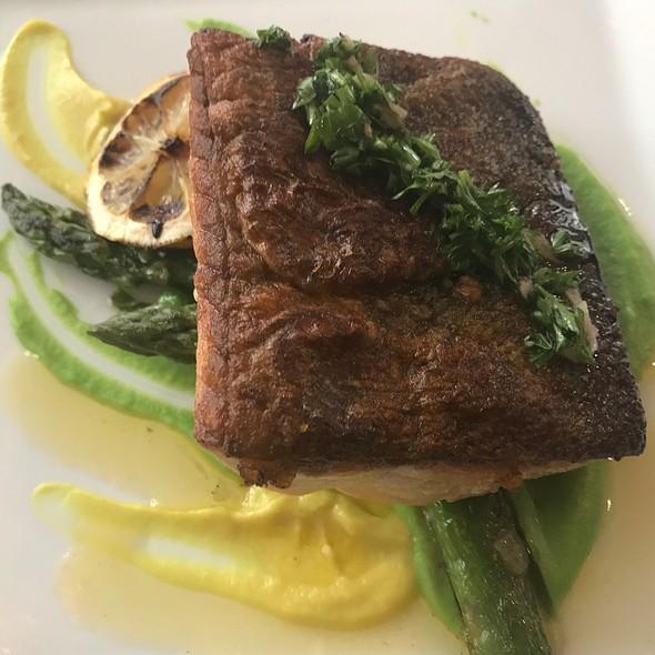 Organic Crispy Skin Salmon @ Flatiron Hotel