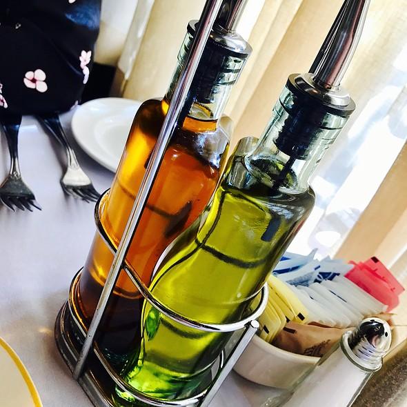 Classy Oil & Vin