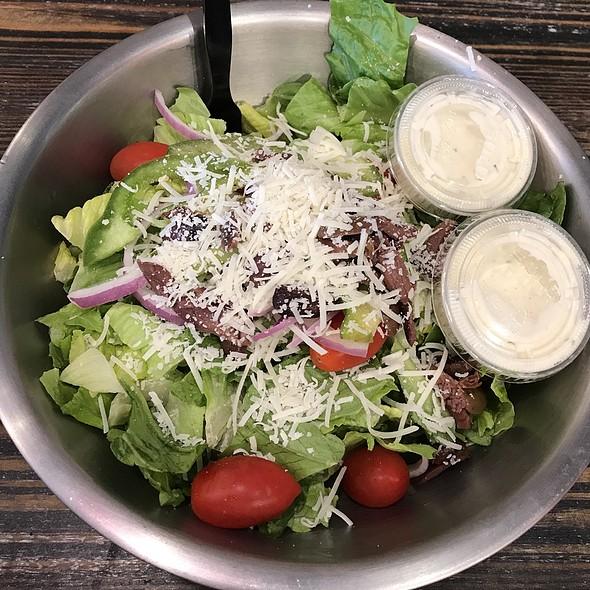 garden salad @ Flippin' Pizza