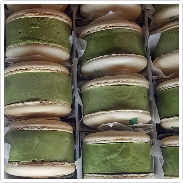 Kravings Macaron Ice Cream Sandwich
